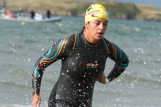 0061 Slatman Triathlon Swim Exit 2015 8919